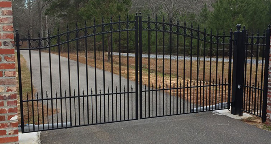 Fencing & Gates: Hattiesburg & Laurel, MS: Red's Wrought