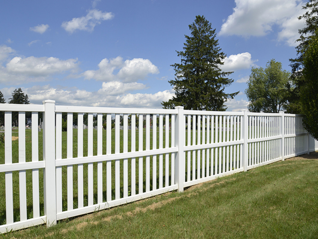 Add a Stylish and Practical Vinyl Fence